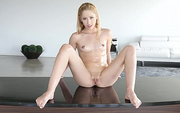 Oiled petite spreading, sucking with an increment of fucking