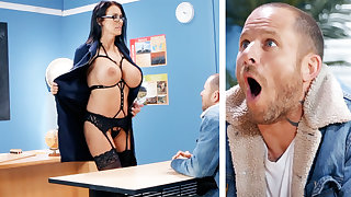 Sexy teacher hardcore fucks old crumpet at school