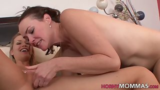 Stepmom gets fingered and licked hard by Mia Malkova