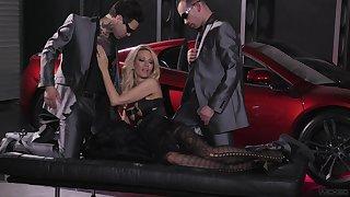Hardcore threesome in the garage with pornstar jessica drake